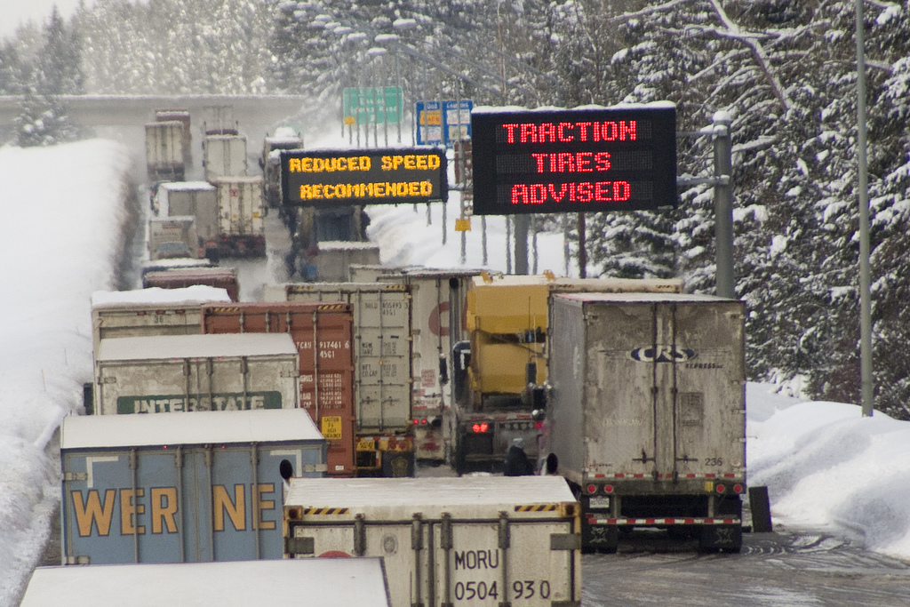 Government agency proposes 'electronic logs' for trucks and buses to