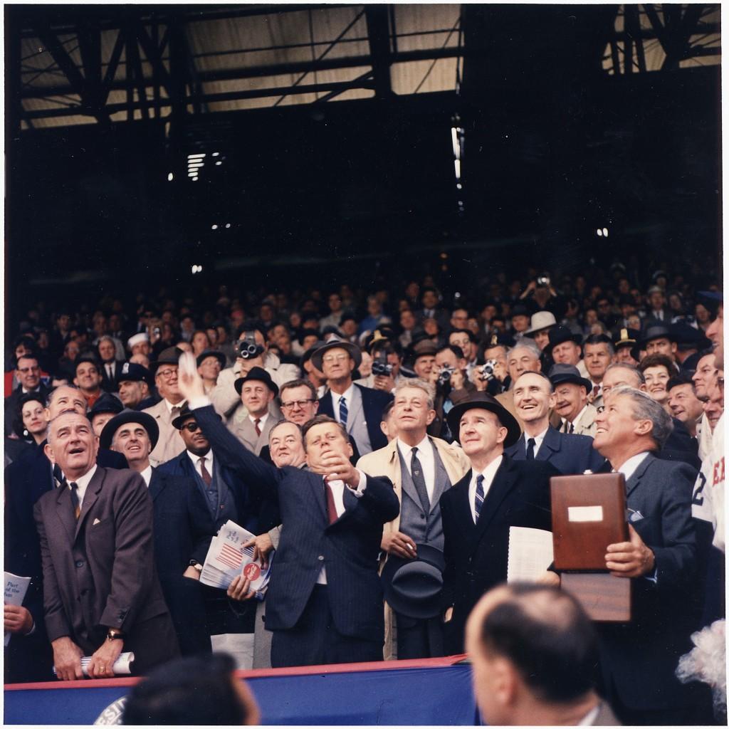 Photo by Robert L. Knudsen via JFK National Archives
