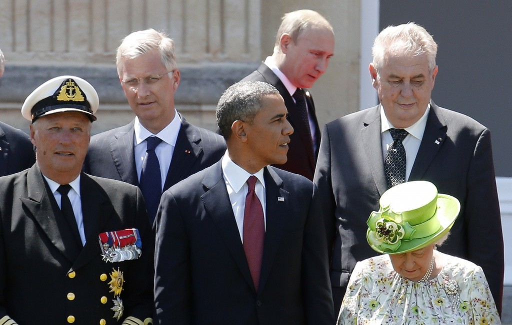 Another Awkward Encounter For Obama And Putin Pbs Newshour
