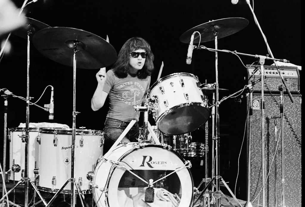 Tommy Ramone (Thomas Erdelyi) performs on stage with The Ramones at The Roundhouse in London on 4th July 1976. (Photo by Gus Stewart/Redferns)