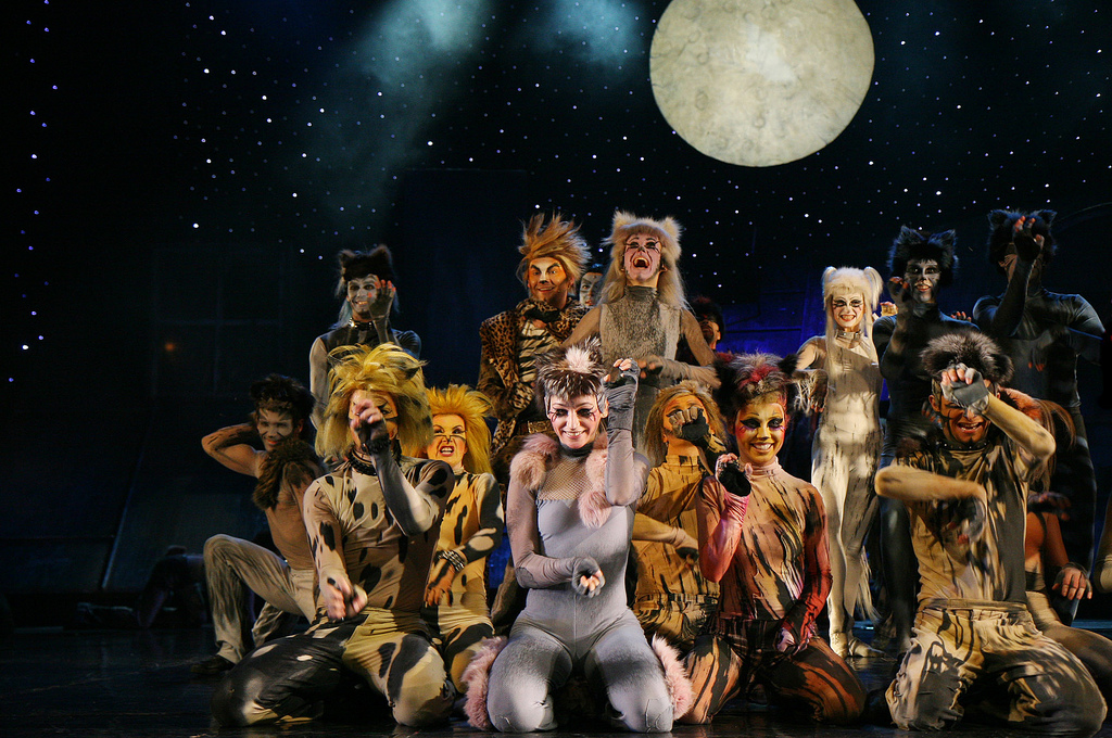 rum tum tugger to return as a rapping feline in cats revival pbs