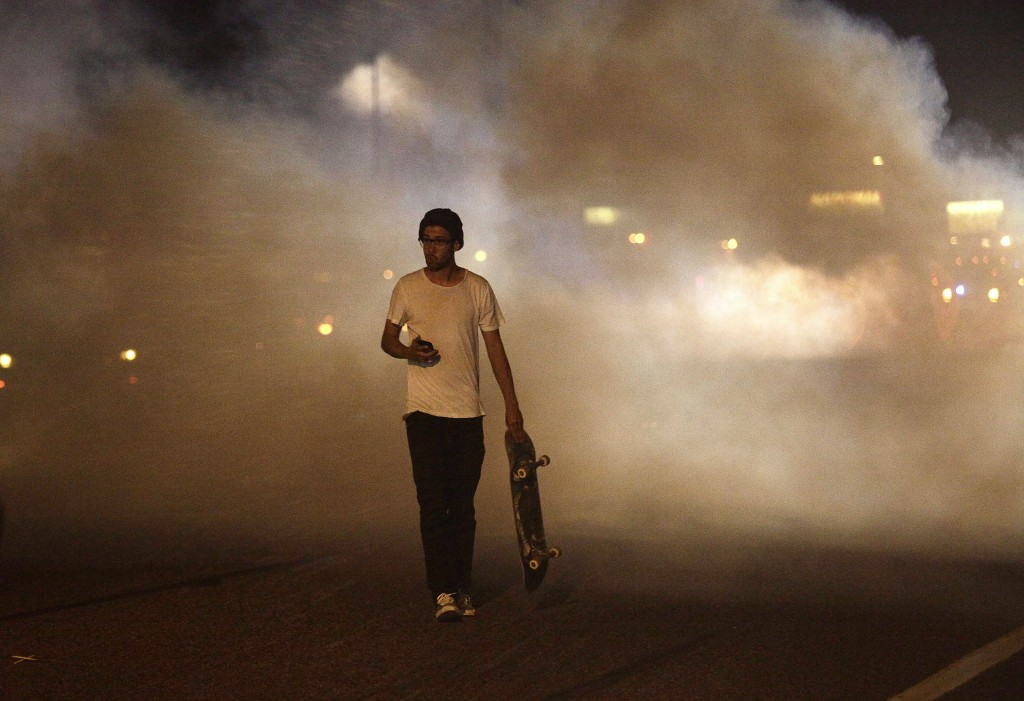 as ferguson unrest boils obama returns from vacation pbs newshour