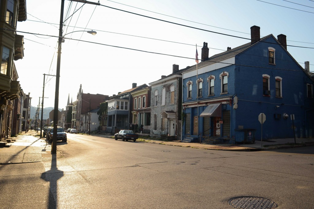 When Wheeling's economy crumbled and its population began moving away, many of its historic homes fell into disrepair. Photo by Ariel Min/PBS NewsHour
