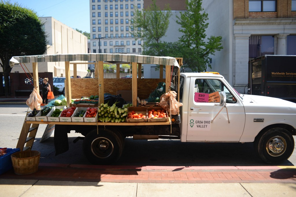 Grow Ohio Valley's mobile market. Photo by Ariel Min/PBS NewsHour