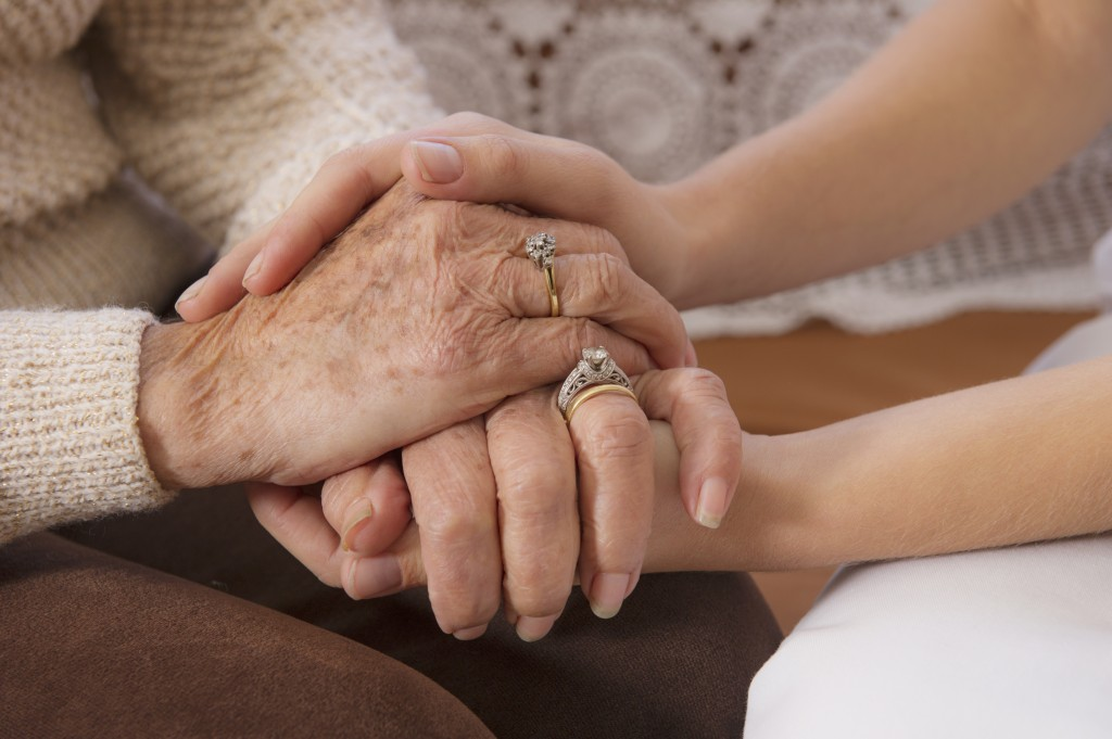 How To Let Go When A Loved One Is Dying