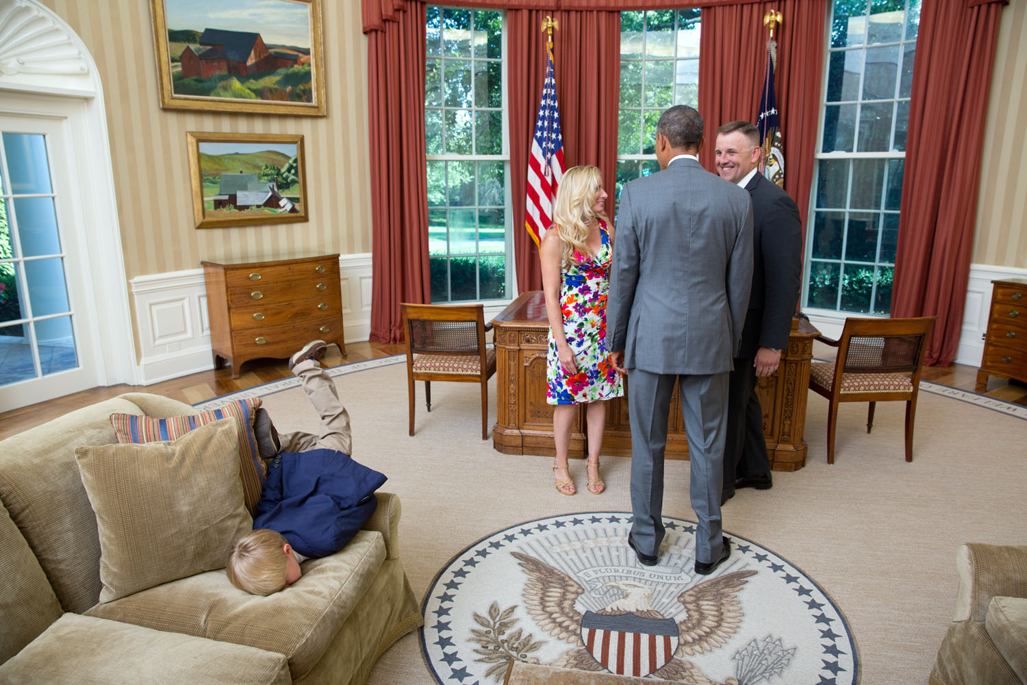 obamas oval office. A Young Boy Face-plants Onto The Sofa In Oval Office As President Obamas 1