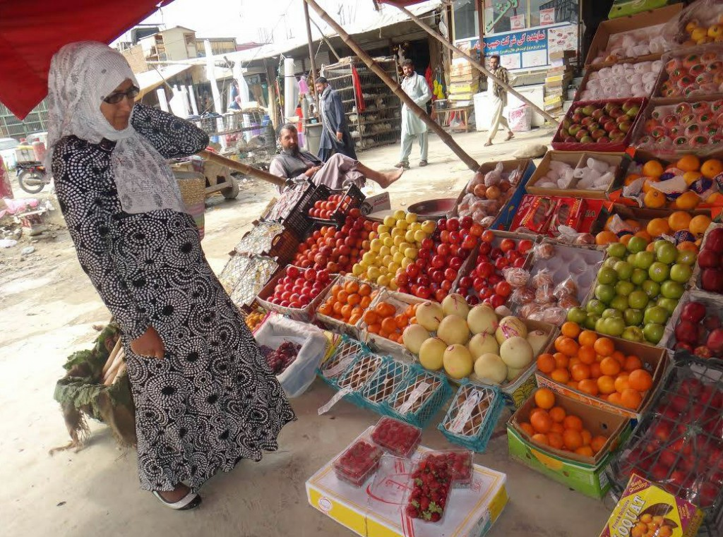 One of the critical factors in redeveloping Afghanistan's agriculture economy is to establish links between farmers and markets. Photo courtesy of the Global Partnership for Afghanistan