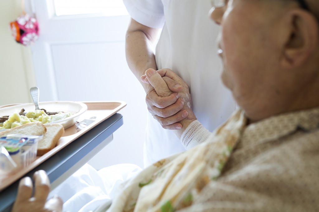 Why hospice care could benefit your loved one sooner than you think why hospice care could benefit your loved one sooner than you think pbs newshour maxwellsz