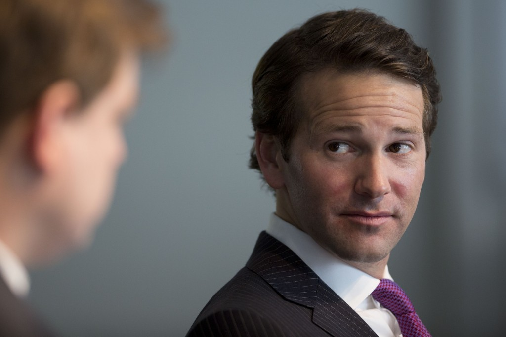 after downton abbey scandal rep aaron schock to resign from