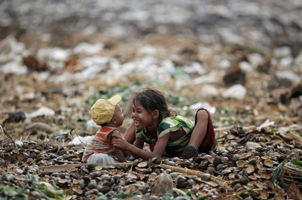 In Worlds Poorest Slums Landfills And Polluted Rivers Become A - Worlds poorest man