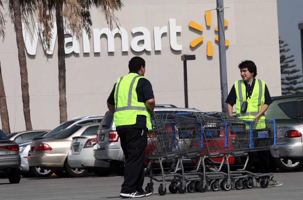 wal mart pay and benefits essay This work will describe the advantages and disadvantages of a union  a union at wal-mart cashiers would pay dues to  for more pay and benefits,.