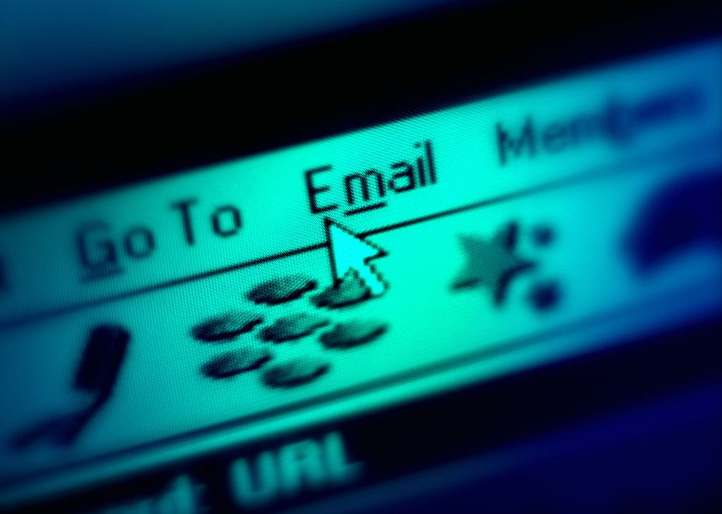 Don't email like you text, and other tips for writing to a professor