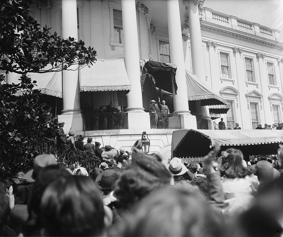 President Franklin D. Roosevelt and First Lady Eleanor Roosevelt greet visitors at the 1939 Easter Egg Roll (Photo credit: Library of Congress)
