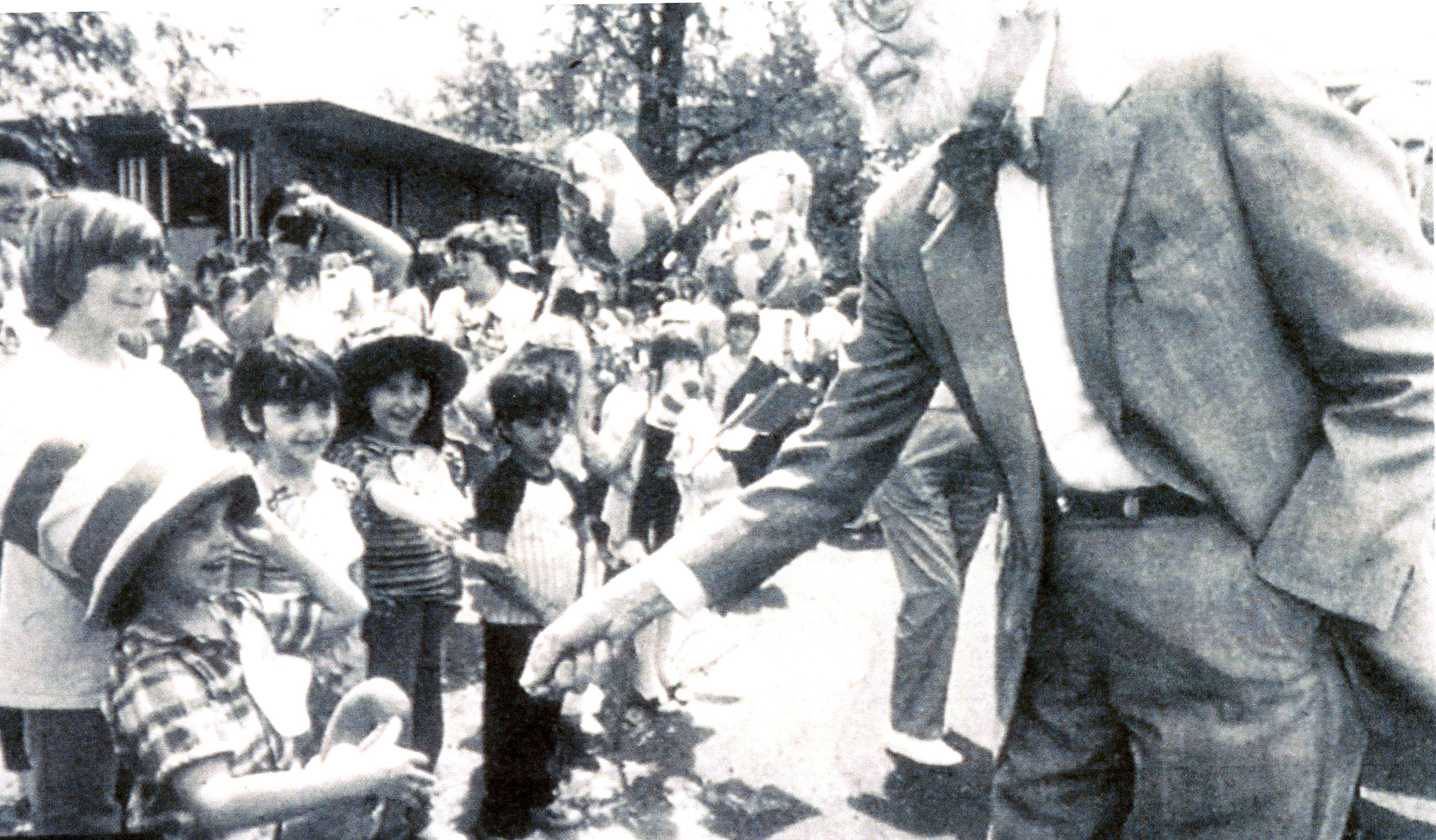 Dr. Seuss on his last visit to his hometown of Springfield, Massachusetts in 1986. Photo courtesy of Springfield Union-News