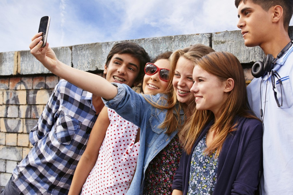 an analysis of the importance of peers during adolescence Bullying in early adolescence: the role of the peer group it is during adolescence that peer groups become stratified and it seems important for.