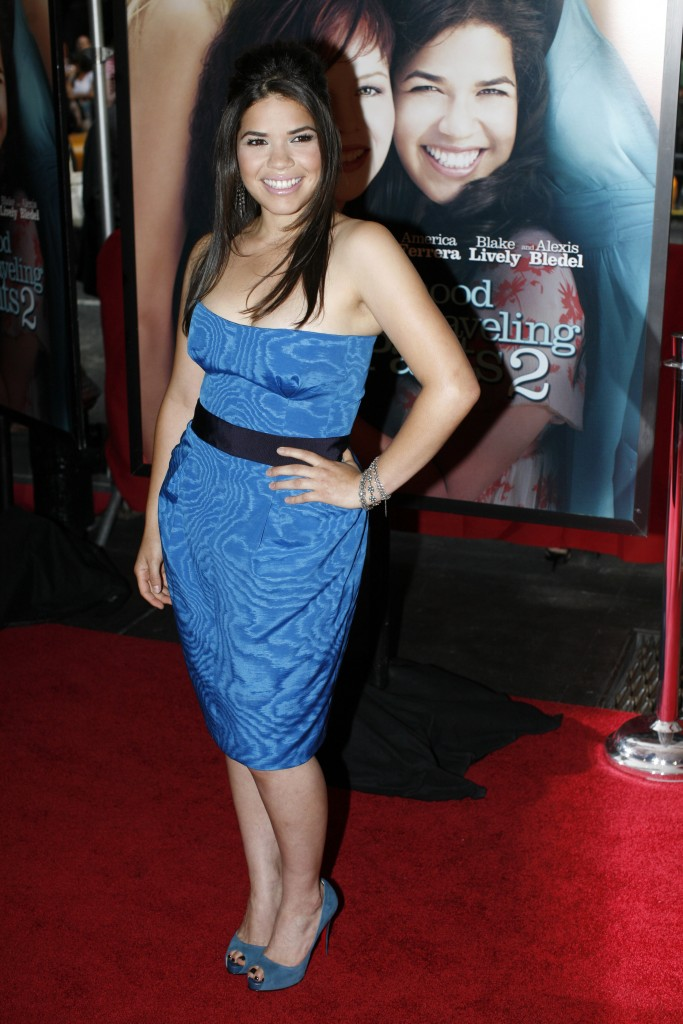 "Actress America Ferrera arrives for the premiere of the film ""The Sisterhood of the Traveling Pants 2""  in New York, July 28, 2008. REUTERS/Keith Bedford (UNITED STATES) - RTX87EM"