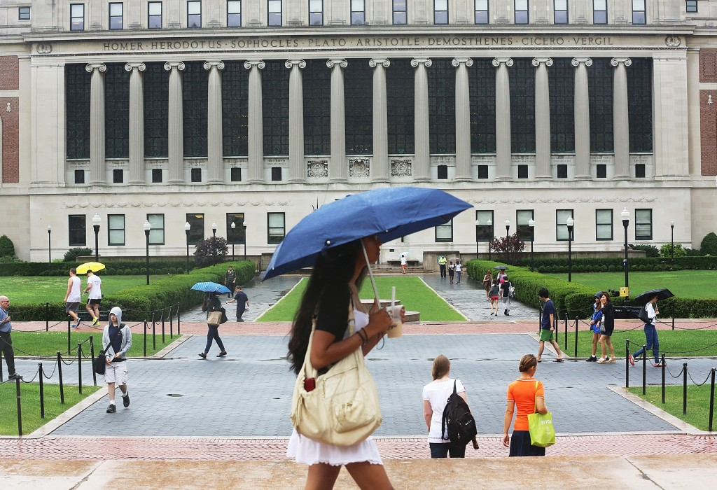 How to pick the right college while avoiding debt