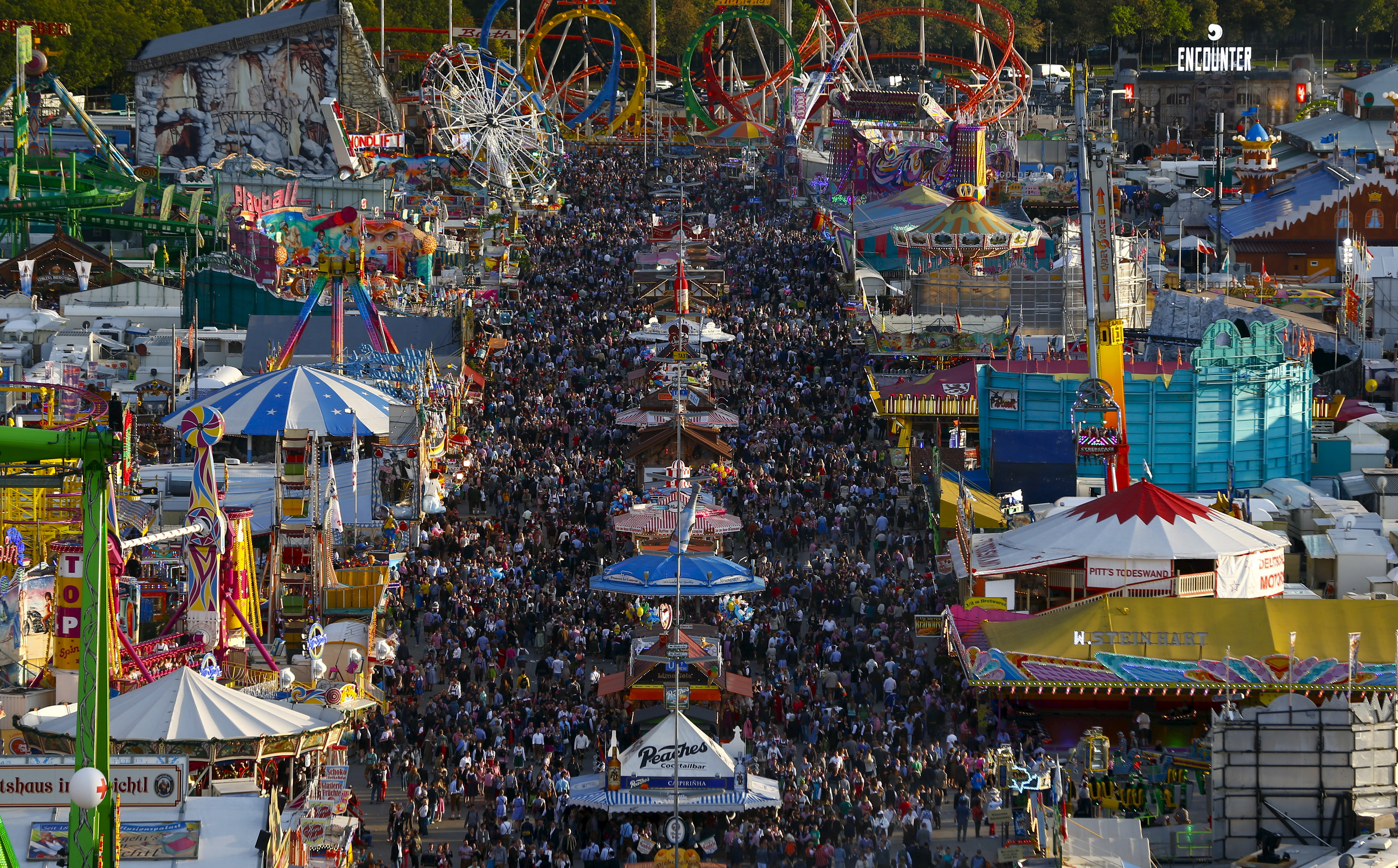 A general view shows the festival ground during the opening day of the 182nd Oktoberfest in Munich, Germany, September 19, 2015. Millions of beer drinkers from around the world will come to the Bavarian capital over the next two weeks for Oktoberfest, which starts today and runs until October 4, 2015. REUTERS/Michael Dalder - RTS1WGE