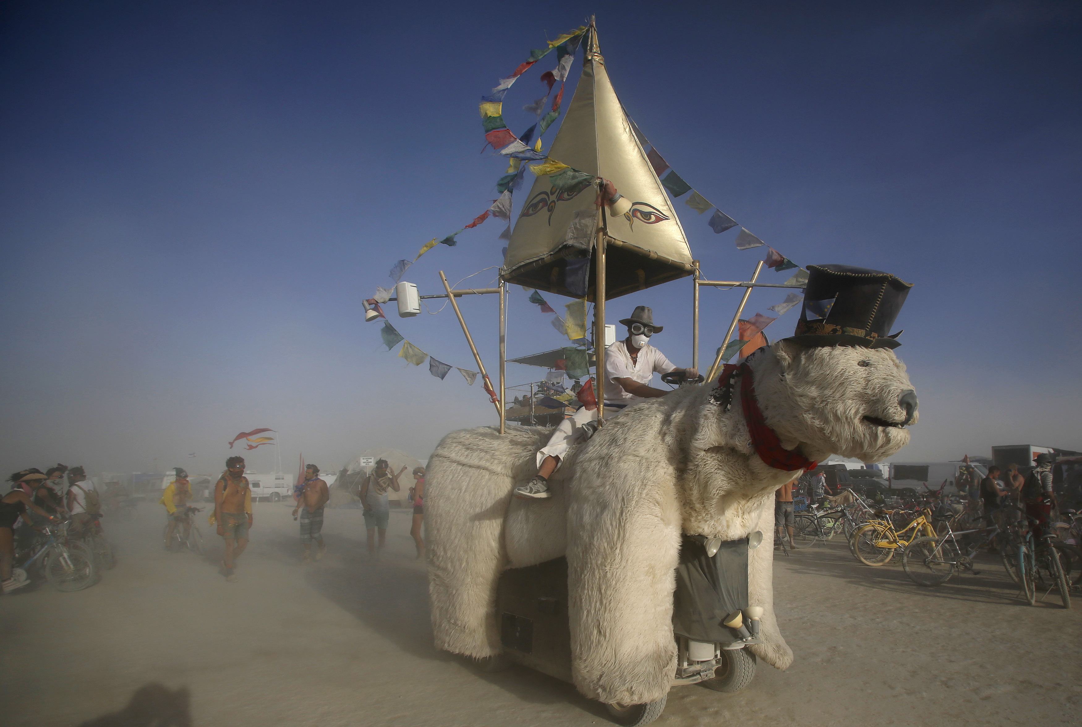 Another Mutant Vehicle crosses the dusty desert at Burning Man, where the vehicles serve as roaming art installations. Photo by Jim Urquhart/Reuters