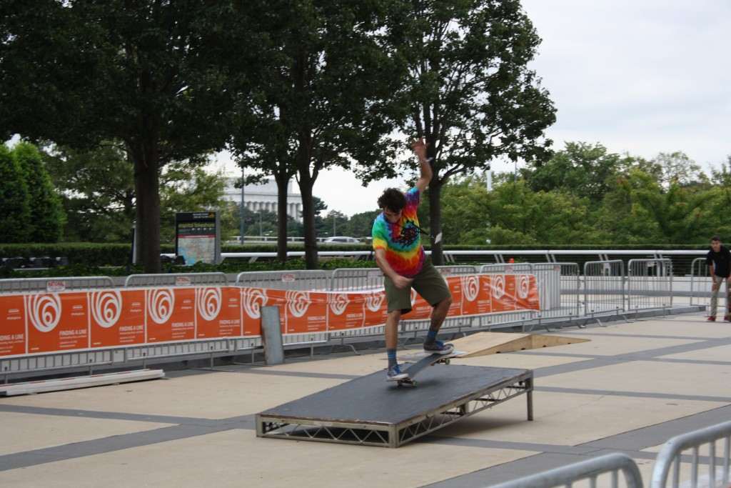"""Raciel Pereda Bernet skates at the """"Finding a Line"""" festival at the Kennedy Center in Washington, D.C. on Sept. 10, 2015. Photo by Alexandra Hall"""