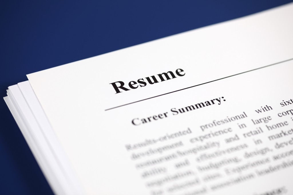 ask the headhunter why jobs should come with a resume pbs newshour