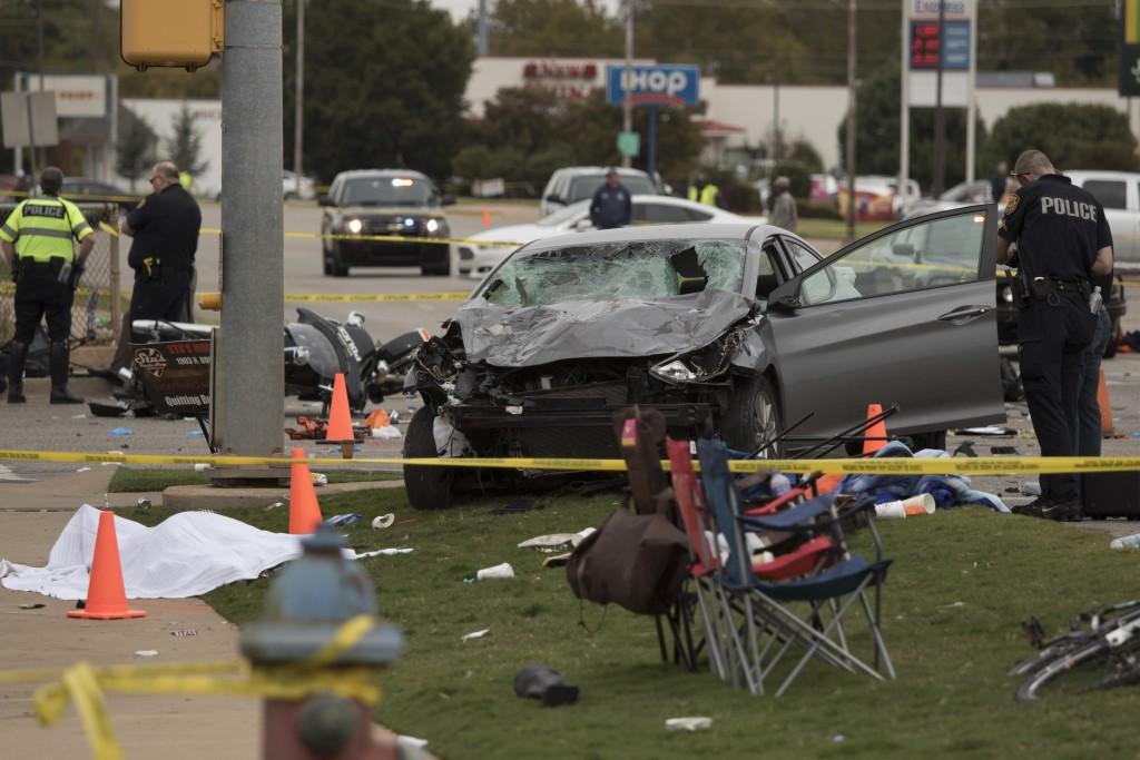 Update: 4 killed, dozens injured after Oklahoma State parade car ...