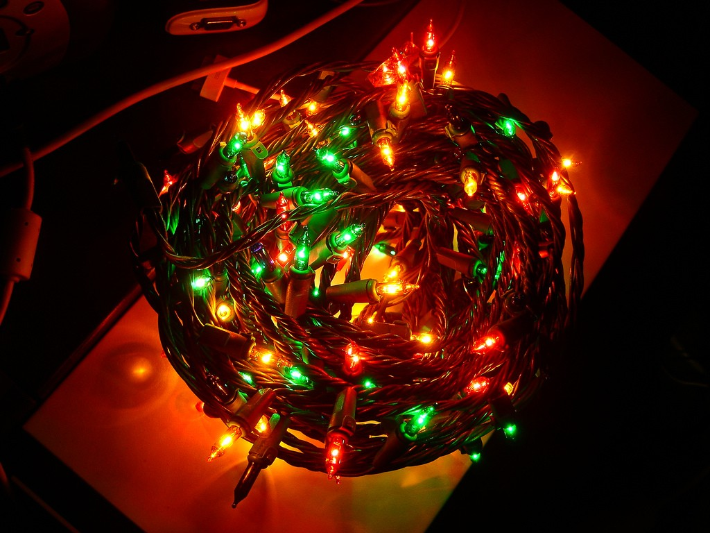 too many christmas lights may paralyze your wifi but heres how to fix it pbs newshour