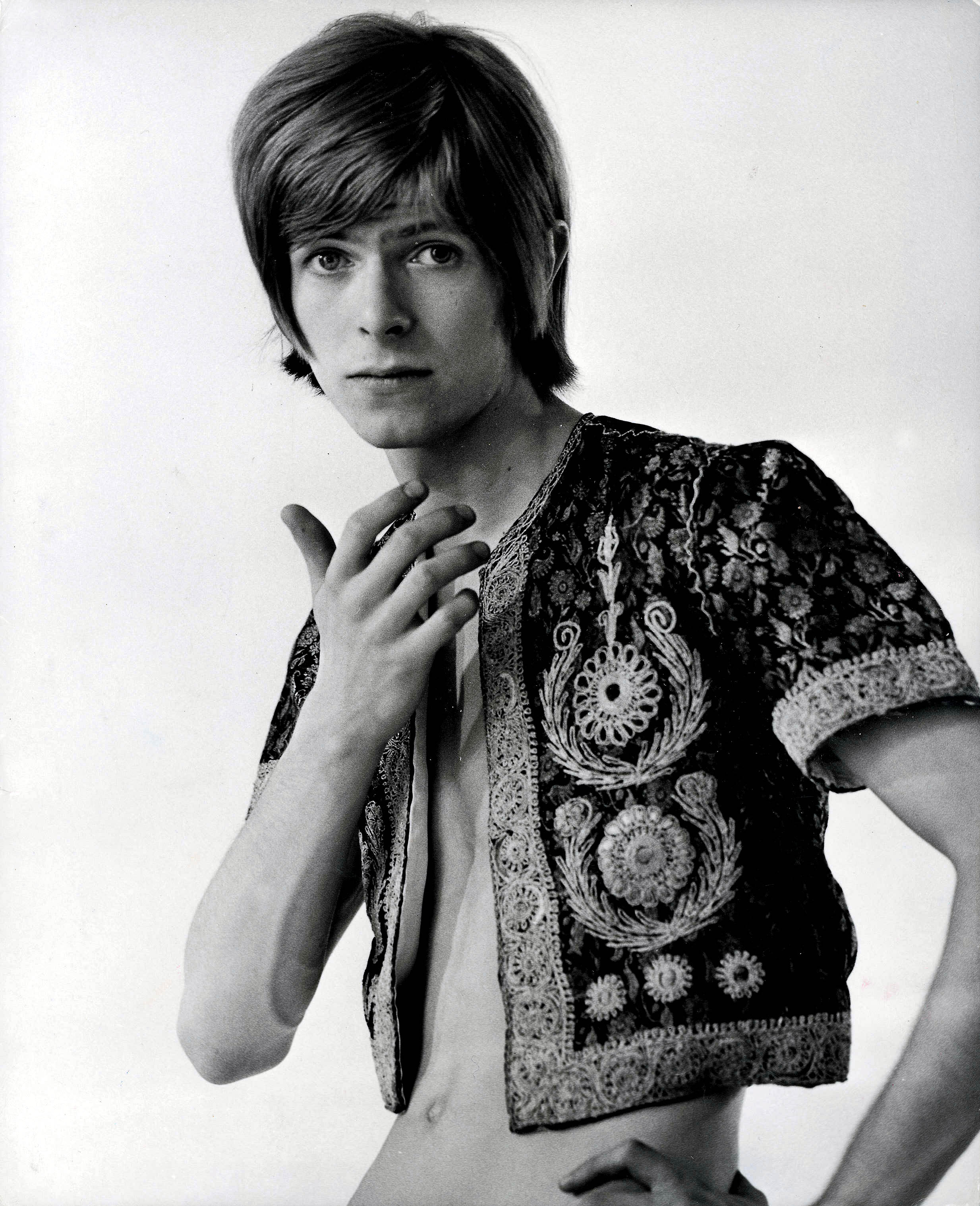 David Bowie poses for a portrait in the early 1970s . Photo by: Popperfoto/Getty Images