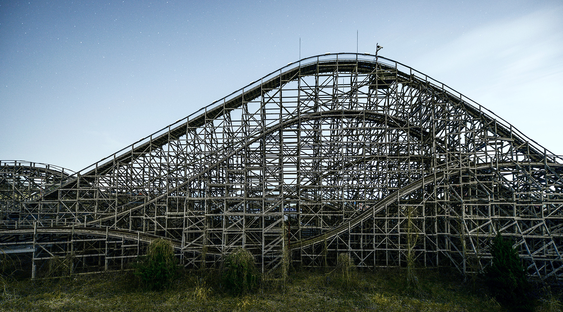 What I Found While Photographing Japan S Abandoned Amusement Parks Pbs Newshour