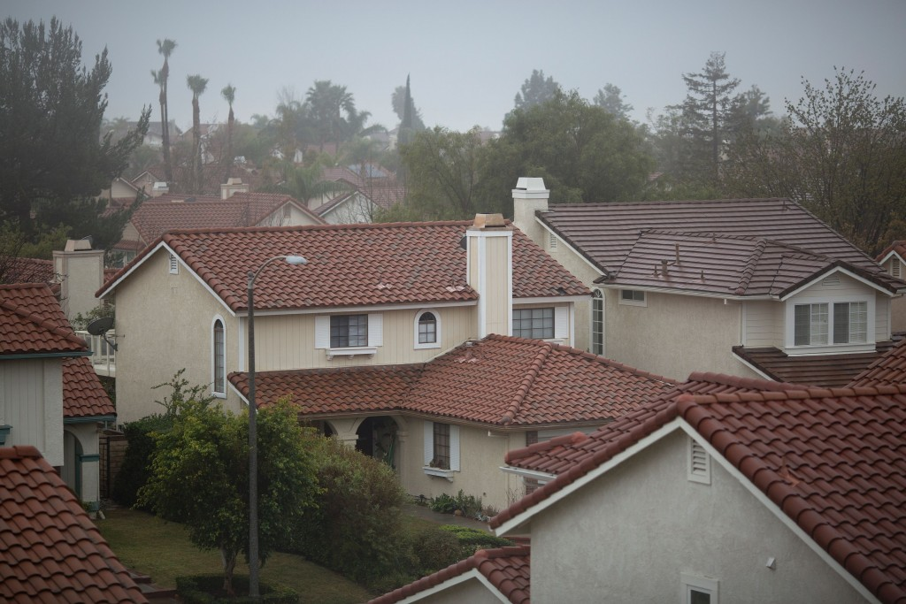 A neighborhood where many people have left their homes because of a massive natural-gas leak is seen in the Porter Ranch neighborhood of the of the San Fernando Valley region of Los Angeles, California, on December 22, 2015. Photo by DAVID MCNEW/AFP/Getty Images