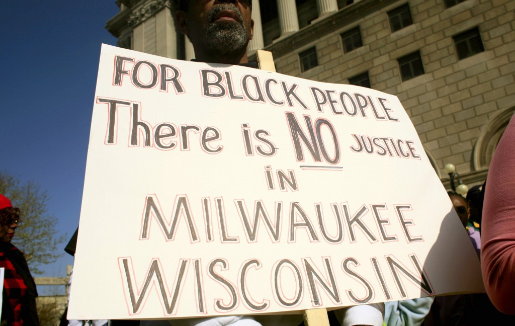what is the black population in milwaukee
