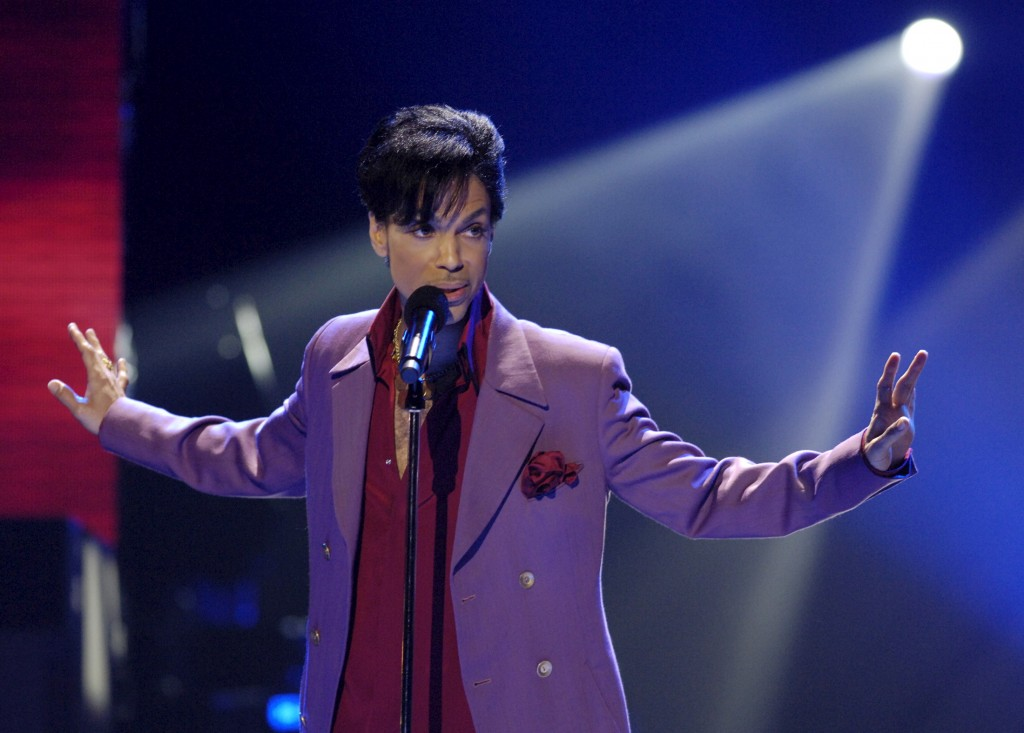 """Prince performs in a surprise appearance on the """"American Idol"""" television show finale in 2006. Photo by Chris Pizzello/Re..."""