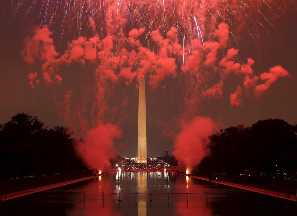 The Washington Monument is seen during the annual Fourth of July fireworks on the National Mall in Washington on July 4, 2015. Photo by Gary Cameron/Reuters