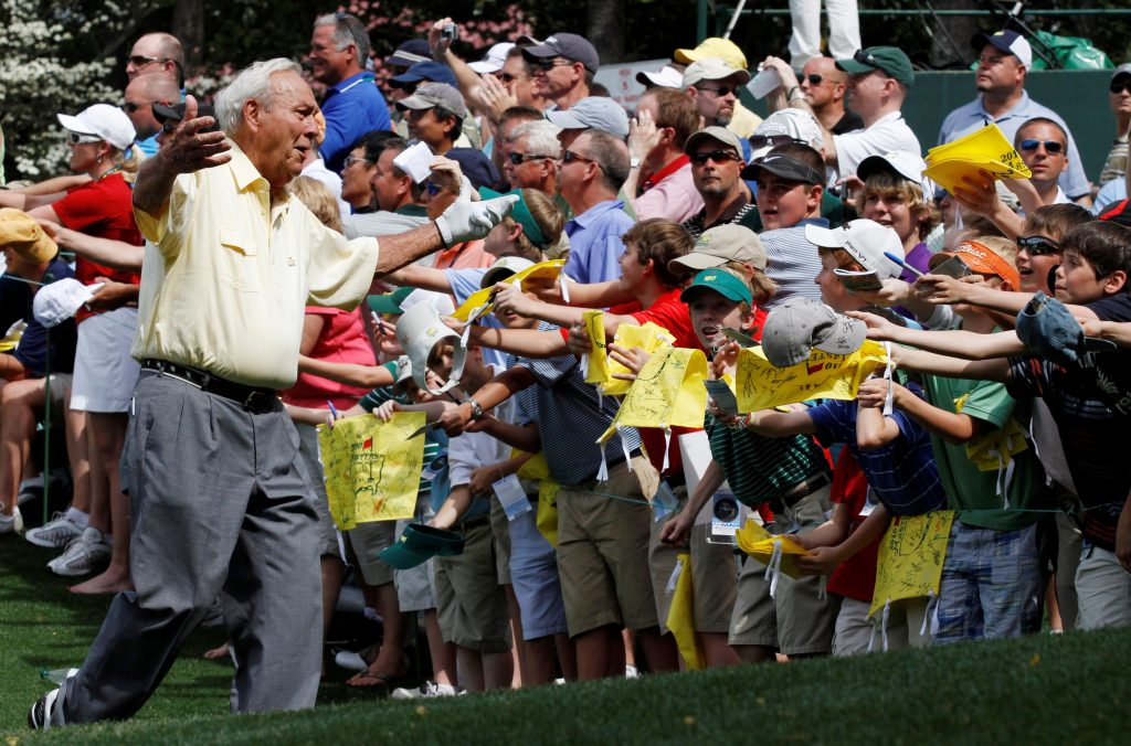 Golf great Arnold Palmer greets fans before the 2010 Masters golf tournament in Augusta, Georgia, on April 7, 2010. Photo by Gary Hershorn/Reuters