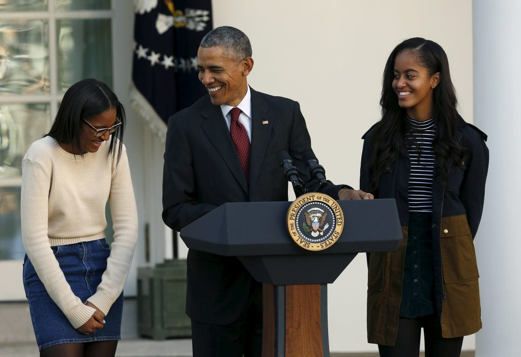 Bush sisters pen letter to Obama girls before White House exit