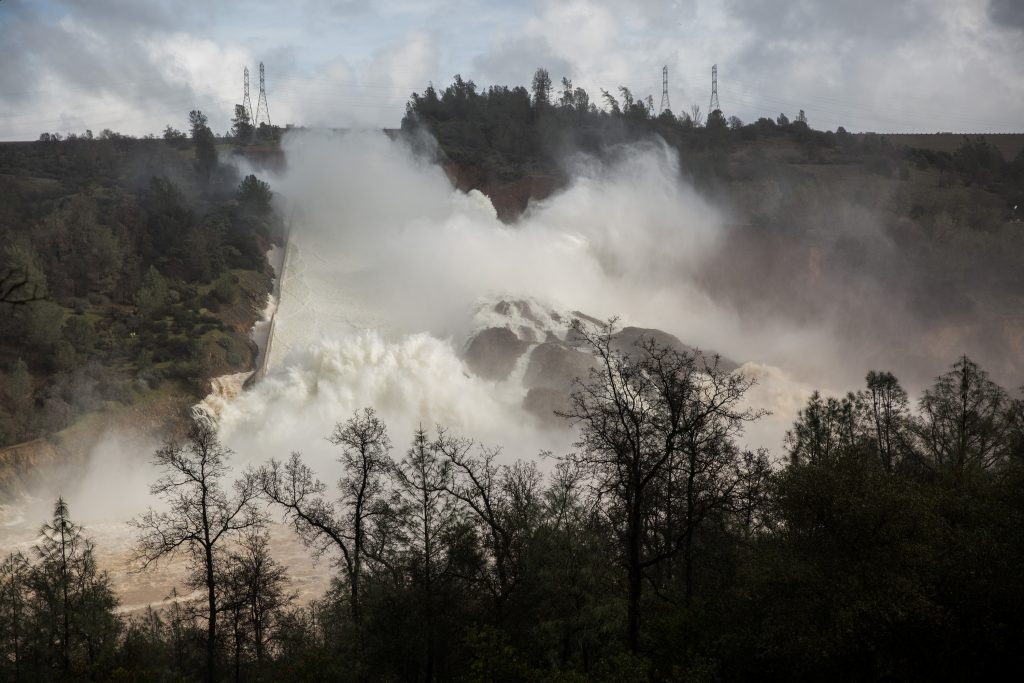 What engineers are doing about the 300-foot hole in California's