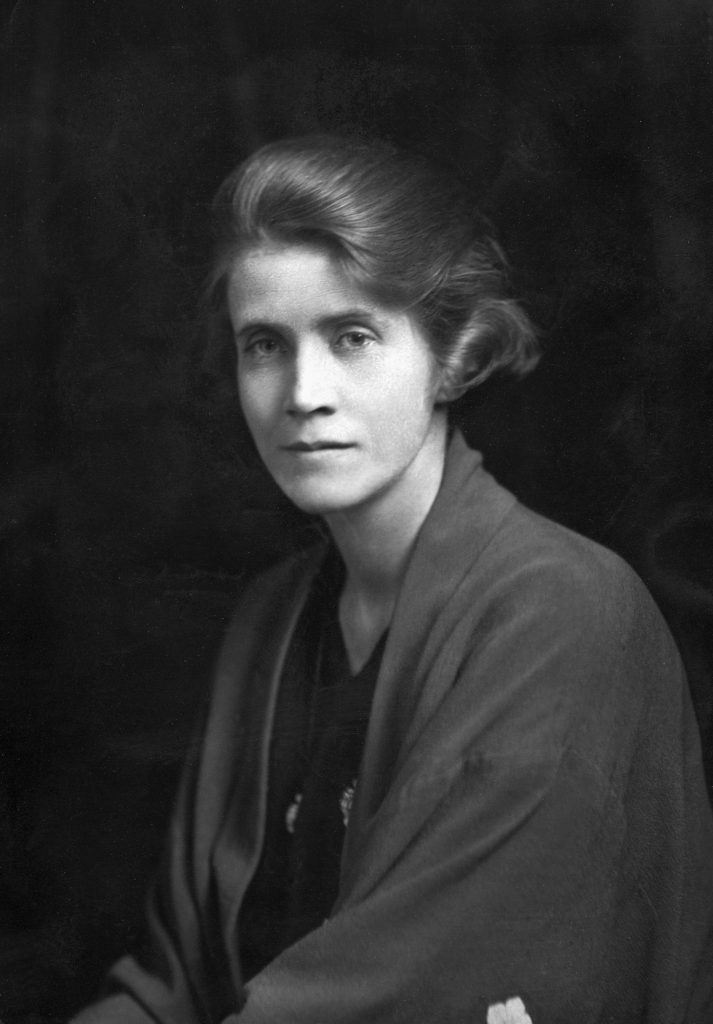 The English writer Stella Benson (1892-1933). (Photo by © Hulton-Deutsch Collection/CORBIS/Corbis via Getty Imag
