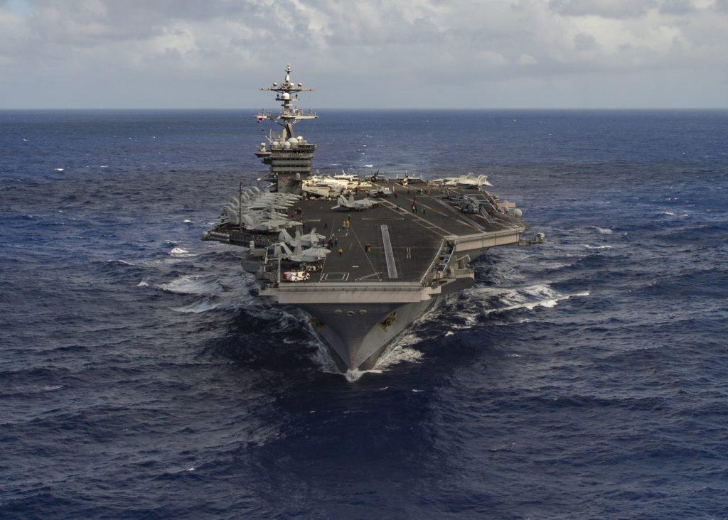 The aircraft carrier USS Carl Vinson (CVN 70) transits the Pacific Ocean