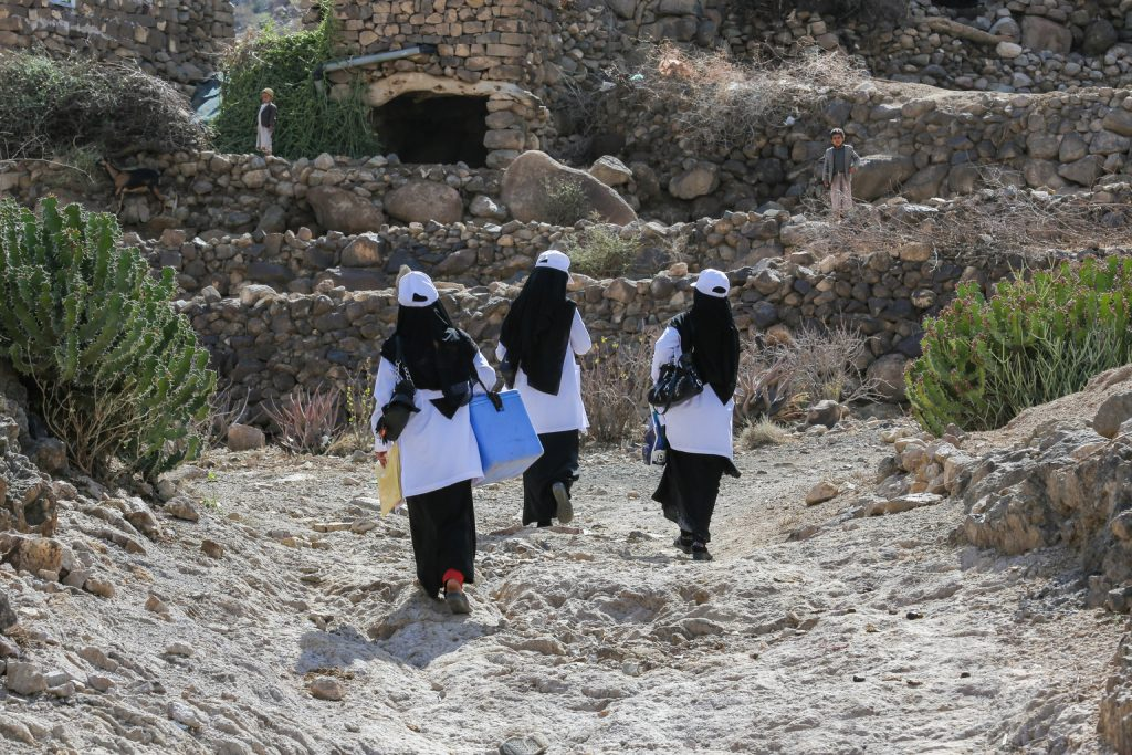 Health workers and volunteers delivered polio vaccines to the remote village of Bani Mansour, Alhaymah, in Yemen on Feb. 17. Photo by Al-Zikri/UNICEF