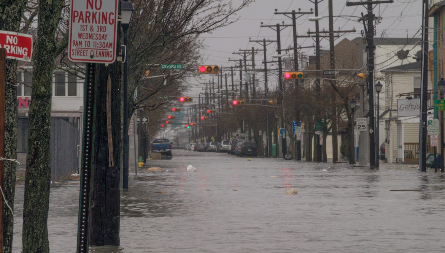 Flooding in Fairmount Avenue near Arizona Avenue at high tide during a storm. Photo by Ted Blanco/Climate Central
