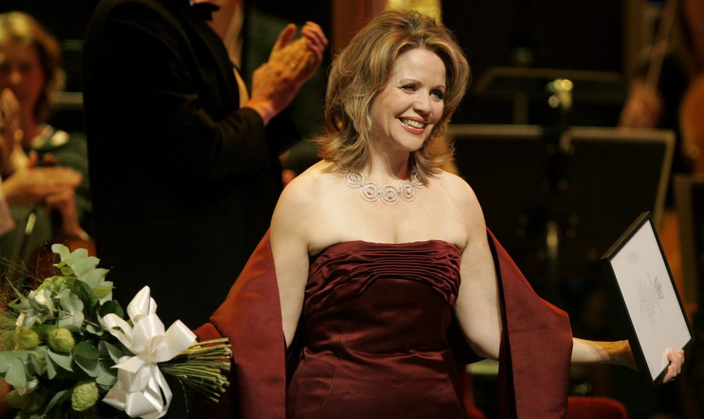 American soprano Renee Fleming poses after receiving the Polar Music Prize from Sweden's King Carl XVI Gustaf at a gala ceremony at the Stockholm Concert Hall August 26, 2008. REUTERS/Mats Andersson/Scanpix (SWEDEN) NO COMMERCIAL SALE. SWEDEN OUT. NO COMMERCIAL OR EDITORIAL SALES IN SWEDEN. - RTR21PX9
