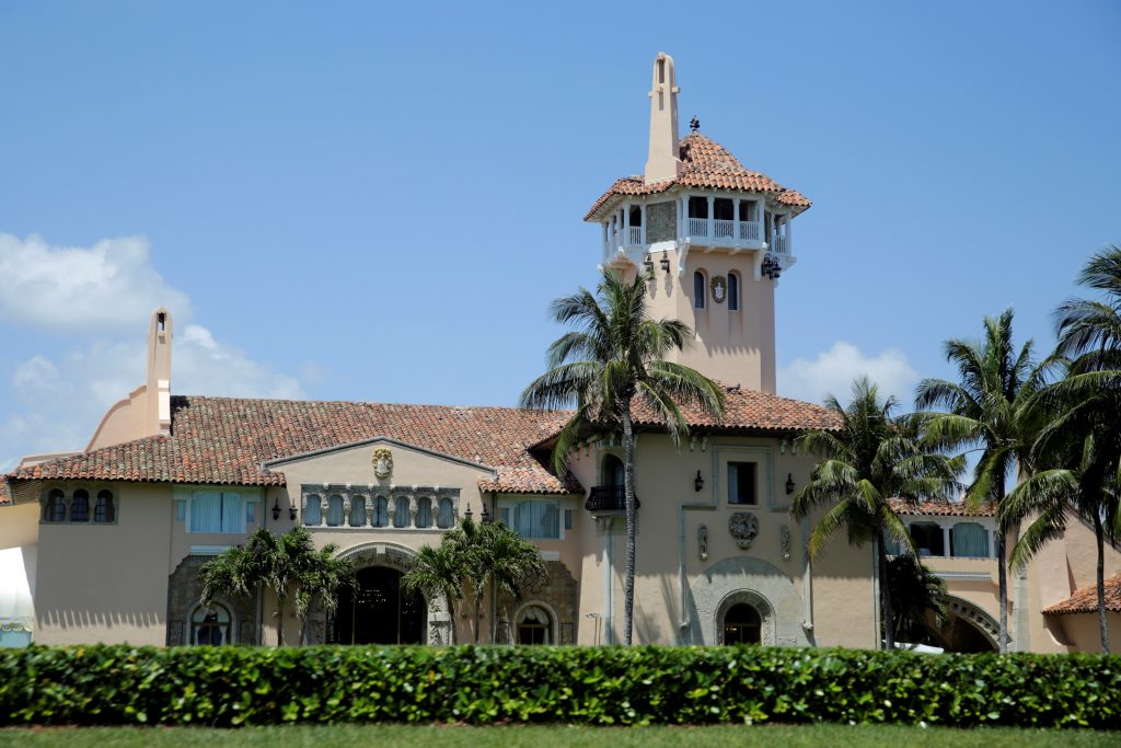 U.S. President Donald Trump's Mar-a-Lago estate is seen in Palm Beach, Florida, U.S., April 16, 2017. REUTERS/Yuri Gripas - RTS12JR1