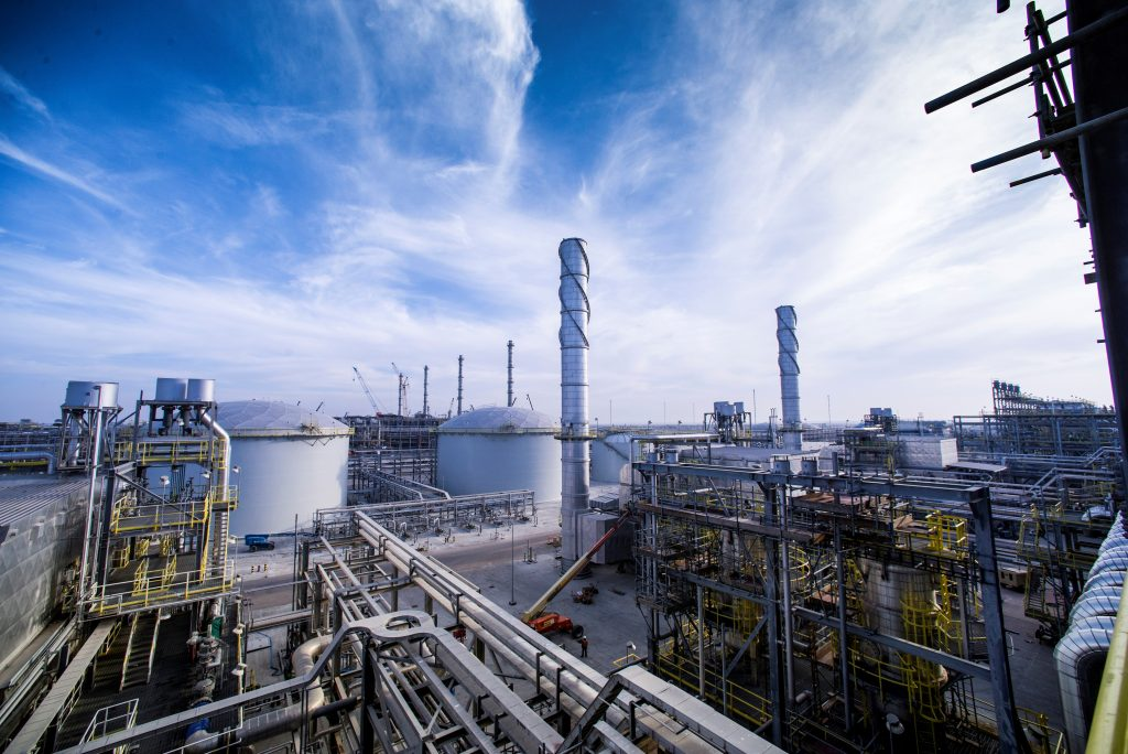 A view shows Saudi Aramco's Wasit Gas Plant, Saudi Arabia December 8, 2014. Picture taken December 8, 2014. Photo courtesy of Saudi Aramco/Handout via REUTERS ATTENTION EDITORS - THIS PICTURE WAS PROVIDED BY A THIRD PARTY. FOR EDITORIAL USE ONLY. NO RESALES. NO ARCHIVE. - RTS16AZE