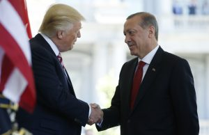 U.S President Donald Trump (L) welcomes Turkey's President Recep Tayyip Erdogan at the entrance to the West Wing of the White House in Washington, U.S. May 16, 2017. REUTERS/Joshua Roberts - RTX363K1
