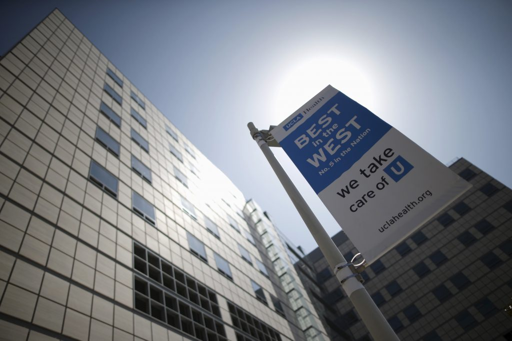 """A view of the UCLA Medical Center in Los Angeles, California March 19, 2015. UCLA, the hospital at the center of the """"superbug"""" outbreak that killed two people and infected seven last month has received poor patient safety scores and had its payments cut by Medicare for high rates of hospital-acquired infections. REUTERS/Lucy Nicholson - RTR4U3MV"""