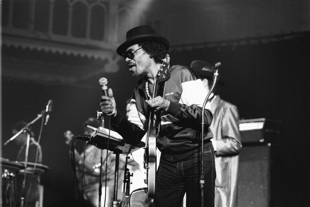 Chuck Brown (1936-2012) performs live on stage at the Paradiso in Amsterdam, Netherlands on October 19, 1987. Photo by Frans Schellekens/Redferns
