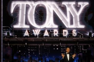 71st Tony Awards – Show – New York City, U.S., 11/06/2017 - Host Kevin Spacey. REUTERS/Carlo Allegri - RTS16MX2