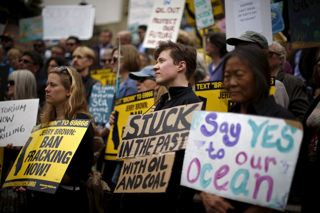Protesters call for a ban on fracking and a phasing out of oil development in California, in Santa Barbara, California, May 21, 2015. Photo by Lucy Nicholson/Reuters