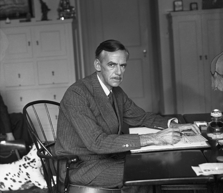 Author and playwright Eugene O'Neill in the library of his New York Home. (Photo by NY Daily News Archive via Getty Images)