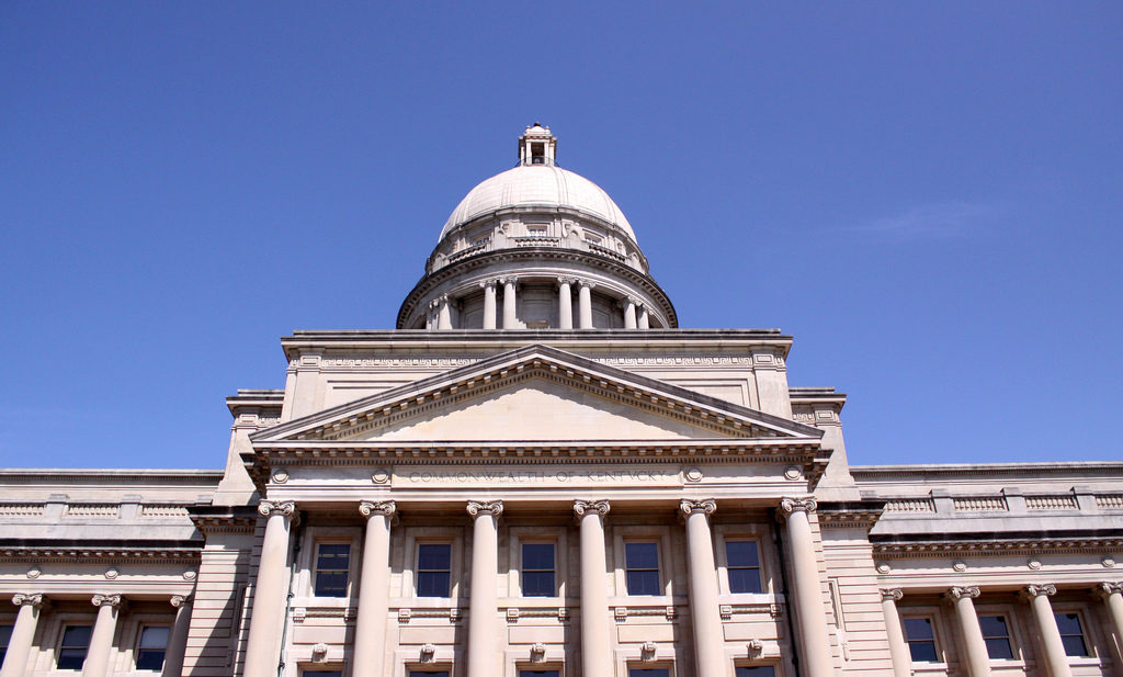 Kentucky House speaker resigns post after texts with staffer